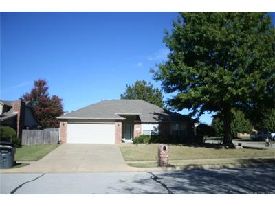 Bixby Single Family Home For Sale: 10227 E 116th Place S