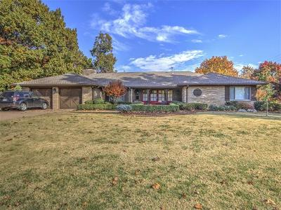Tulsa Single Family Home For Sale: 4245 S Columbia Avenue