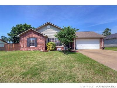 Claremore Single Family Home For Sale: 1905 N Chambers Avenue