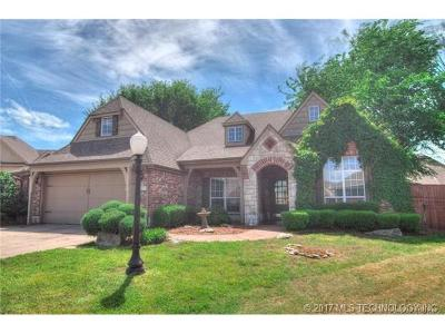 Owasso Single Family Home For Sale: 10212 N 140th East Court