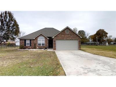 Owasso Single Family Home For Sale: 7608 N 174th Avenue