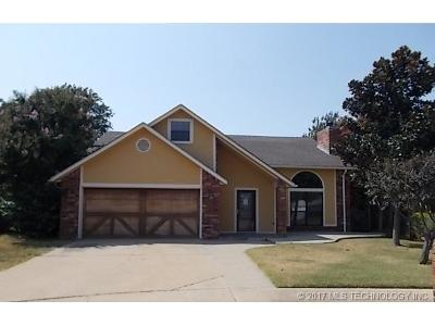 Owasso Single Family Home For Sale: 10004 N 107th East Avenue