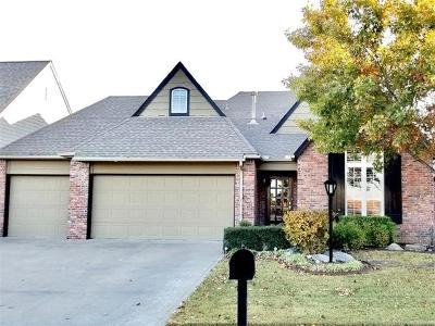 Tulsa Single Family Home For Sale: 7106 E 86th Street