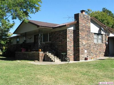 Cookson OK Single Family Home For Sale: $134,500