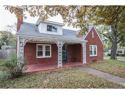 Tulsa Single Family Home For Sale: 1743 S Delaware Avenue