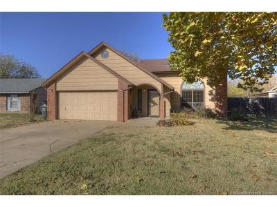 Owasso Single Family Home For Sale: 10705 E 101st Street North