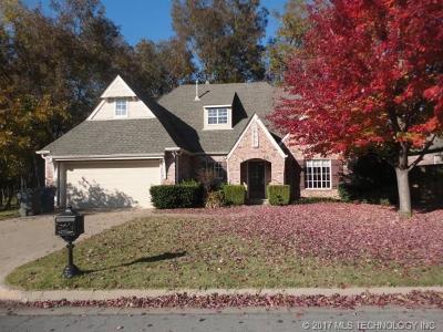 Tulsa Single Family Home For Sale: 7105 E 92nd Street
