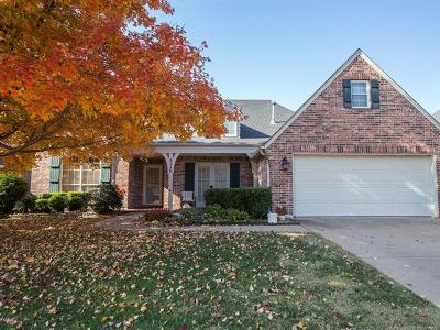 Tulsa Single Family Home For Sale: 8236 S 100th Street