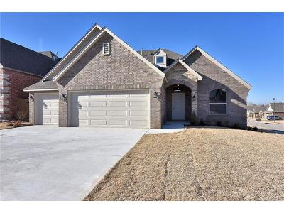 Broken Arrow Single Family Home For Sale: 2838 N Hickory Court