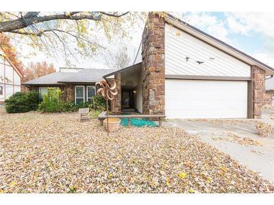 Broken Arrow Single Family Home For Sale: 2709 W Atlanta Court