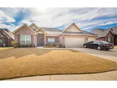 Sand Springs Single Family Home For Sale: 512 W 40th Place