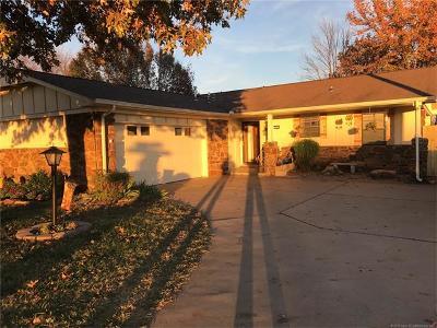 Broken Arrow Single Family Home For Sale: 3325 S Ash Avenue
