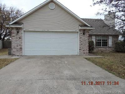 Claremore Single Family Home For Sale: 26400 Arrowood Drive