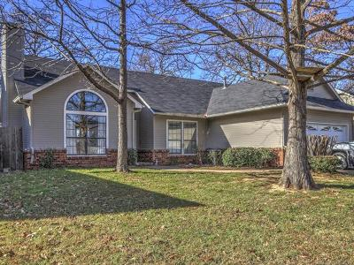 Sand Springs Single Family Home For Sale: 3422 Springtree Lane