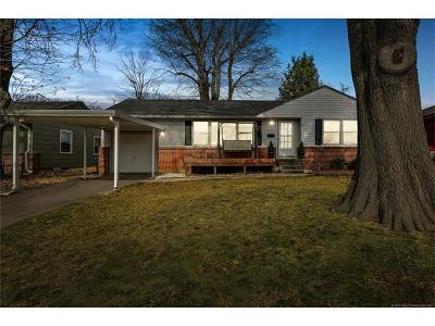 Tulsa Single Family Home For Sale: 4111 E 36th Place