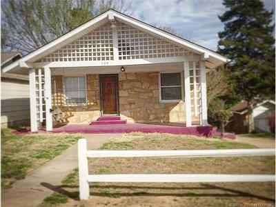 Sand Springs Single Family Home For Sale: 709 N McKinley Avenue