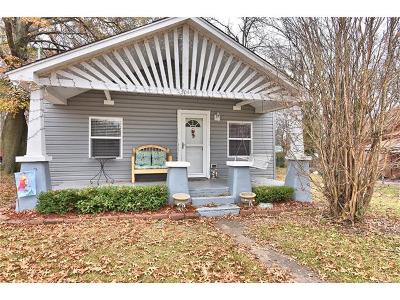 Coweta Single Family Home For Sale: 304 W Pine Street