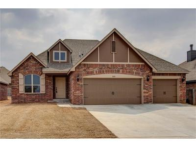 Jenks Single Family Home For Sale: 505 E 129th Place S