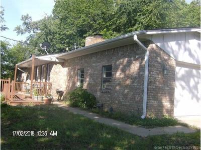 Hulbert OK Single Family Home For Sale: $187,500