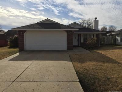 Claremore Single Family Home For Sale: 9492 E Sprucewood Drive