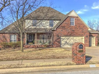 Sapulpa Single Family Home For Sale: 2226 Kings Crest Drive