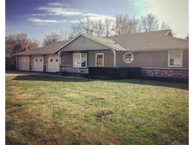 Skiatook Single Family Home For Sale: 313 W Maple Street