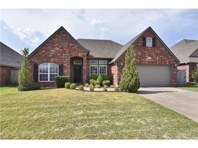 Broken Arrow Single Family Home For Sale: 4909 E Dallas Street