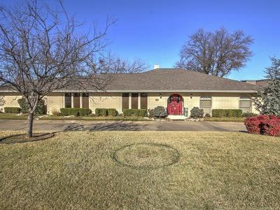 Tulsa Single Family Home For Sale: 6637 E 60th Place