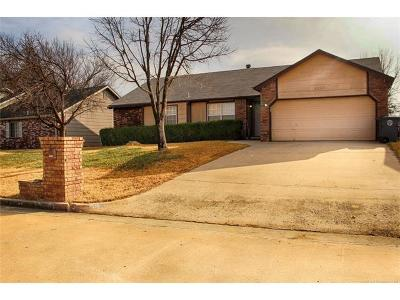 Jenks Single Family Home For Sale: 2530 W 66th Place