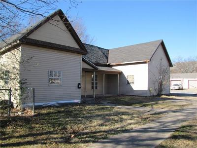 Ada Single Family Home For Sale: 423 N Oak Street