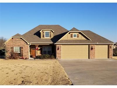 Claremore Single Family Home For Sale: 21823 S Amber Drive