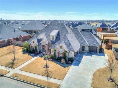 Jenks Single Family Home For Sale: 110 W 128th Street