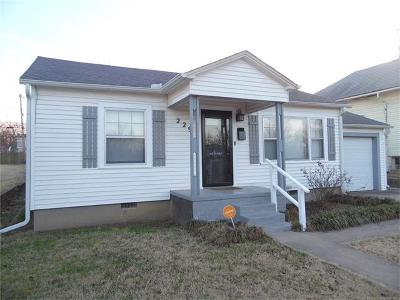 Ada Single Family Home For Sale: 229 W 16th Street