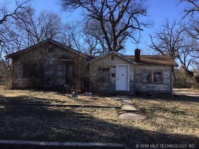 Okmulgee Single Family Home For Sale: 308 N Delaware Avenue