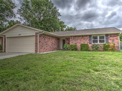Broken Arrow Single Family Home For Sale: 1679 S Redbud Avenue
