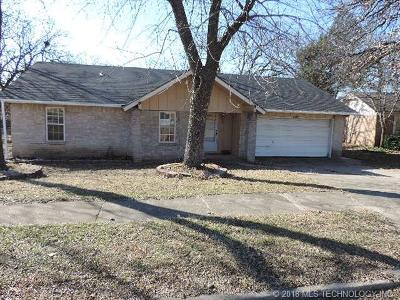 Sand Springs Single Family Home For Sale: 3106 S Walnut Creek Drive