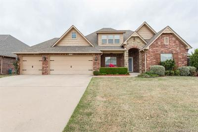 Broken Arrow Single Family Home For Sale: 1306 S Aster Place