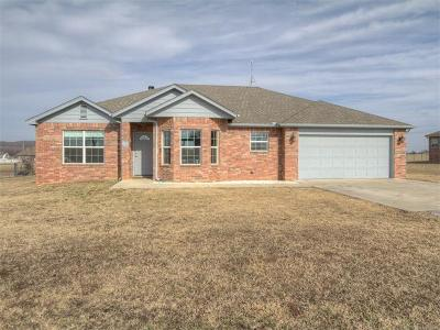 Mounds Single Family Home For Sale: 6955 Olind Drive