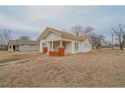Claremore Single Family Home For Sale: 204 W 5th Street
