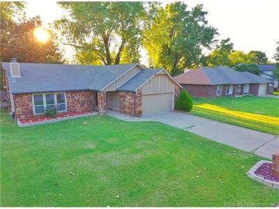 Broken Arrow Single Family Home For Sale: 8620 Willow Springs Court