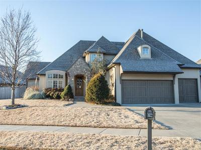 Tulsa Single Family Home For Sale: 648 W 77th Place