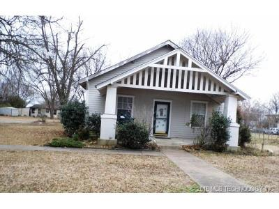 Claremore Single Family Home For Sale: 417 E 1st Street