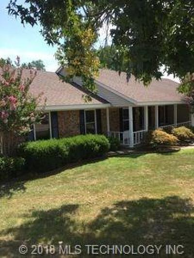 Claremore Single Family Home For Sale: 1017 E Comet Place