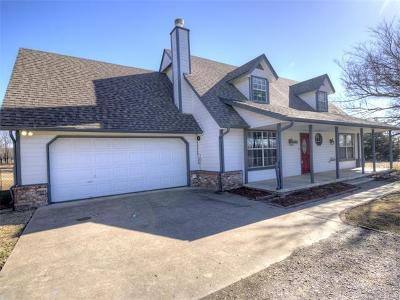 Claremore Single Family Home For Sale: 19935 Mountain Lane