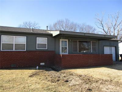 Okmulgee Single Family Home For Sale: 502 N Clearcrest Avenue