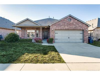 Jenks Single Family Home For Sale: 10751 Masters Circle