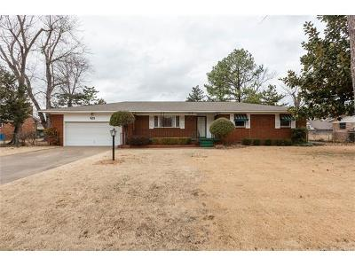 Jenks Single Family Home For Sale: 923 W F. Street