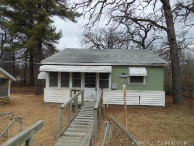 Sand Springs Single Family Home For Sale: 503 N Terrace Dr W 1/2 Drive