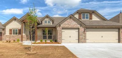 Glenpool Single Family Home For Sale: 12109 S Glen Court E