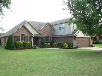Claremore Single Family Home For Sale: 3301 Birdie Court